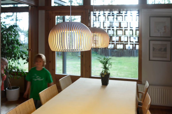 secto atto 5000 birke natur led pendelleuchte aus holz. Black Bedroom Furniture Sets. Home Design Ideas