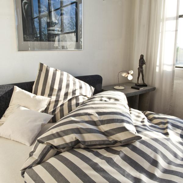 leinen bettw sche gestreift natur schwarz halbleinen. Black Bedroom Furniture Sets. Home Design Ideas