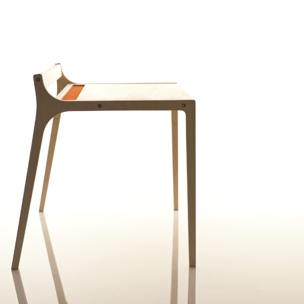 Kindertisch holz  Kindertisch Holz Filz rot - Design-Kindermöbel aus Holz