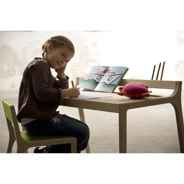 kinderschreibtisch afra grau design kinderm bel aus holz. Black Bedroom Furniture Sets. Home Design Ideas