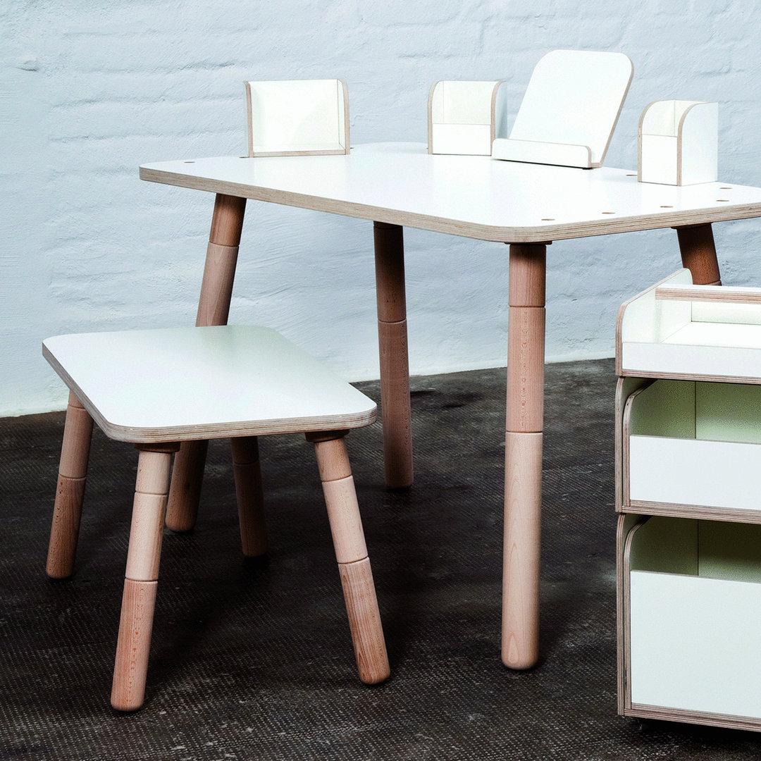 mitwachsender kindertisch growing table sch nes design. Black Bedroom Furniture Sets. Home Design Ideas
