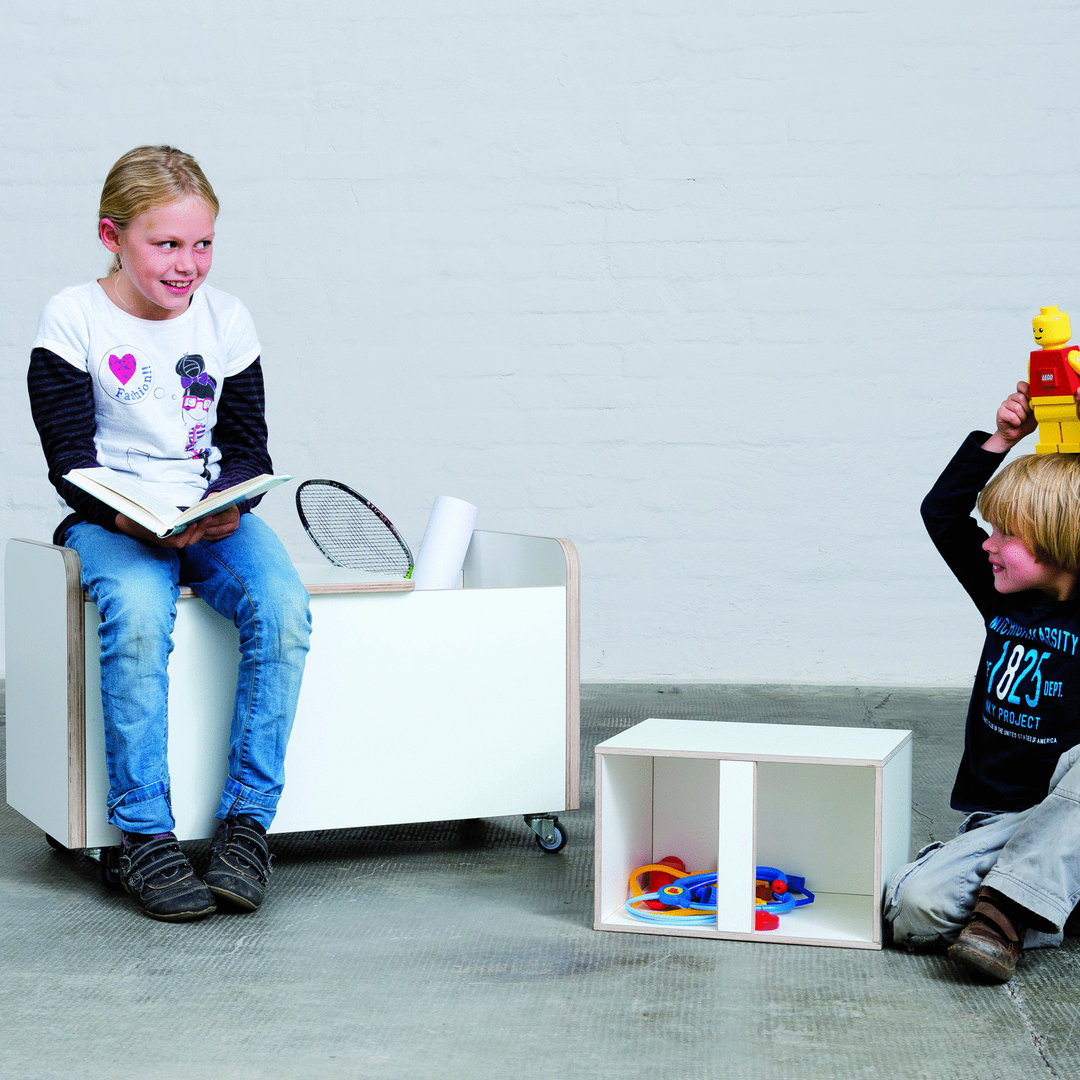 truhe rolling box kinderzimmer sch ne design kinderm bel dorfhaus. Black Bedroom Furniture Sets. Home Design Ideas